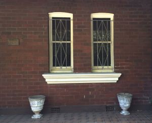 urns and windowsIMG_5118